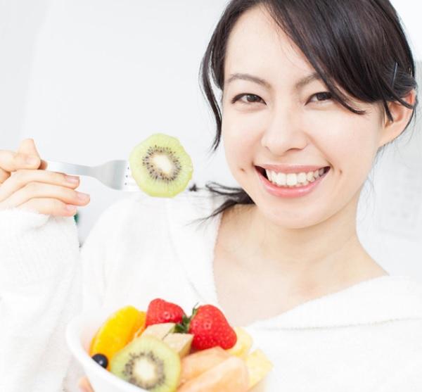 tẩy trắng răng không nên ăn gì, tẩy trắng răng không được ăn gì, mới tẩy trắng răng không nên ăn gì, sau khi tẩy trắng răng không nên ăn gì